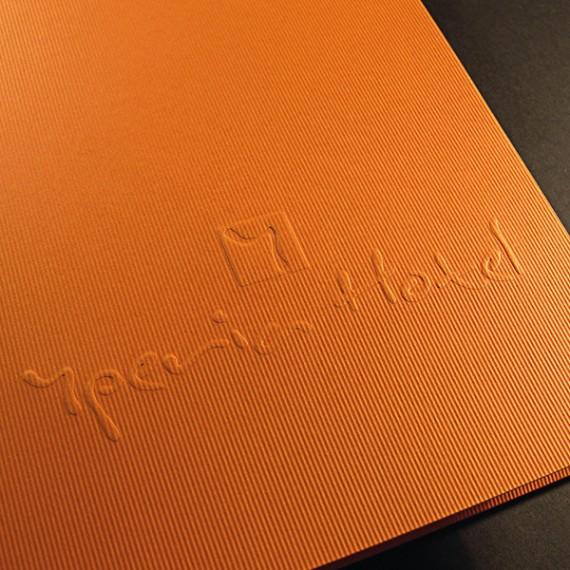 Folder και κάρτες για το ξενοδοχείο Yper